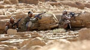 160210090009_pro-government_tribal_fighters_positions_furdhat_nihem_640x360_reuters_nocredit