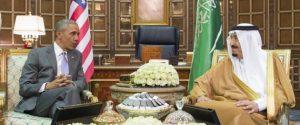 RIYAD, SAUDI ARABIA - APRIL 20:  US President Barack Obama (L) meets with Saudi King Salman bin Abdulaziz Al Saud at Erga Palace in Riyadh on April 20, 2016. During his two-day visit, Obama is to attend a Gulf summit. (Photo by Pool / Bandar Algaloud/Anadolu Agency/Getty Images)
